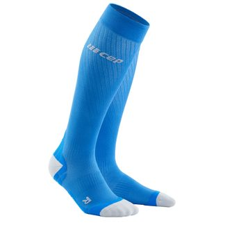 CEP - Run Ultralight Kompression Socken Damen electric blue light grey