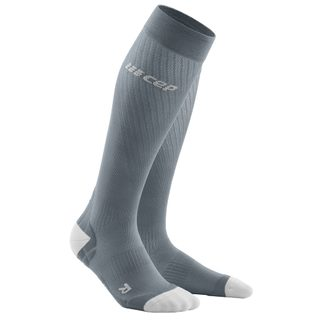 CEP - Run Ultralight Kompression Socken Herren grau hellgrau