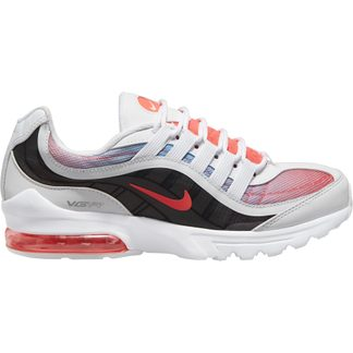 Nike - Air Max VG-R Hallenschuhe Damen white flash crimson blue fury